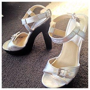 **REDUCED** Michael Kors heels